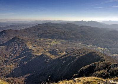 A Velika kapela-hegység a Klekről