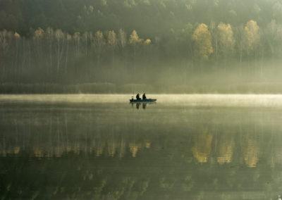 Horgászok a Herman Ottó-tavon, Mecsek