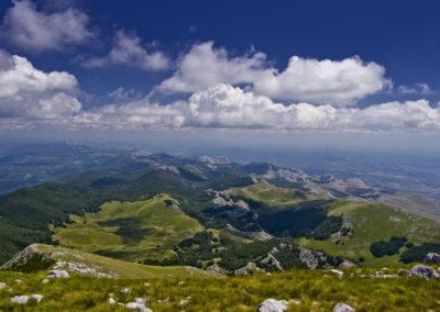 A hegység délnyugati vége a Sveto brdo tetejéről
