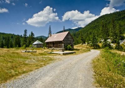 Menedék a Lugarnica völgyben
