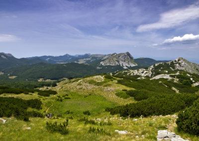 A Velebit-hegység kiszélesedő gerince, az emelkedés folyamatos, National park Paklenica, Velebit, Croatia