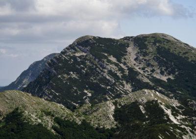 Elől a Babin csúcs, mögötte a Vaganski csúcs északi oldala, National park Paklenica, Velebit, Croatia