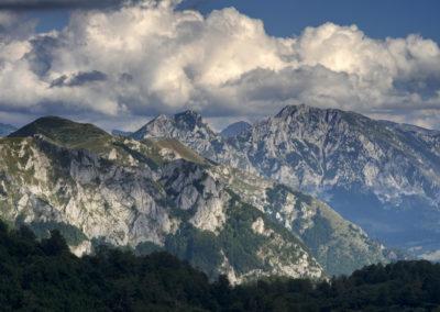 Sorakoznak a sziklás csúcsok, leghátul a Maglić, Zelengora, Sutjeska National Park, Bosznia-Hercegovina