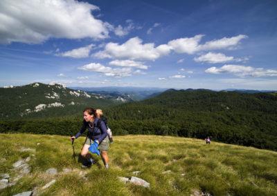 Goljak-csúcs, balra a Veliki Kozjak, Sjeverni Velebit National Park