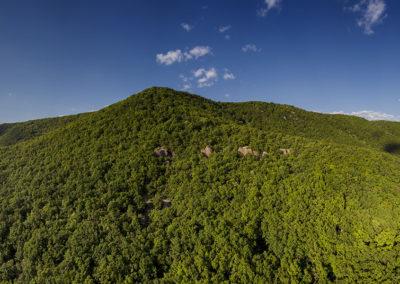 Babás szerkövek a Jakab-hegy oldalában