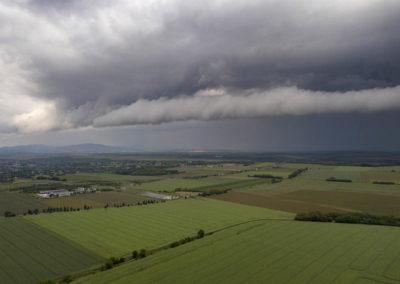 Viharfelhők a baranyai táj felett