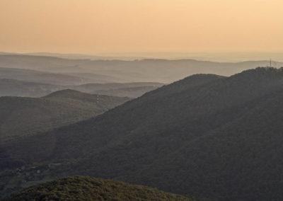 Köves-tető és a Hármas-hegy