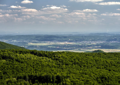A gerincen túl Pozsega, a horizonton már Bosznia-Hercegovina