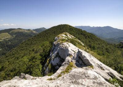 A Ljubičko brdo északi részének sziklás gerince